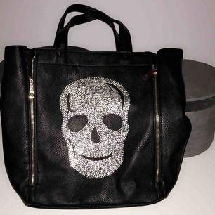 Tessie väska