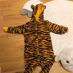 Varm och gusig Pijamas från Kappahl använd bara en gång. Finns 2 st