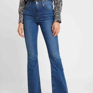 Topshop Jamie flare jeans. Använda ett fåtal gånger