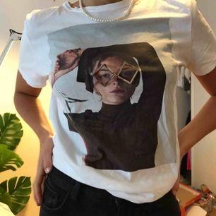 T-shirt med tryck! Frakt tillkommer 🥰