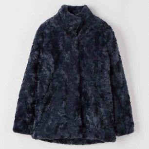 Pälsjacka, Minimal jacket, i färgen Worker Blue. Använd ett fåtal gånger.