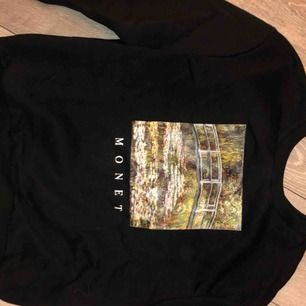 Sweatshirt med Monet tryck