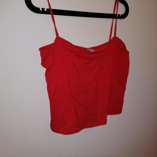 Croppat linne från hm, storlek L. Skickas med posten
