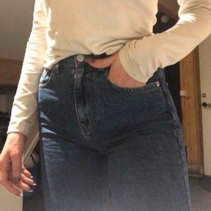 Skit snygga byxor från nakd! Helt oanvända då dem tyvärr va för små för mig. Nypris 399kr