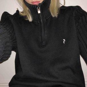 Asss ball Peak performance tröja, perfekt till vintern, sitter oversized på mig som vanligtvis har S, frlat tillkommer👅👍🥰