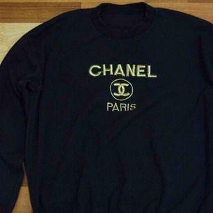"""SÖKER äkta Chanel vintage """"Bootleg"""" tröjor eller t-shirts"""