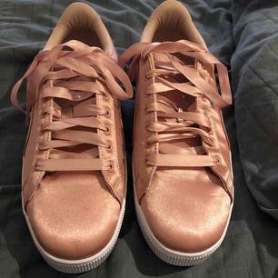 Rosa skor från puma med siden band, Oanvända!