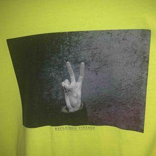 T-shirt från reclaimed vintage, knappt använd.