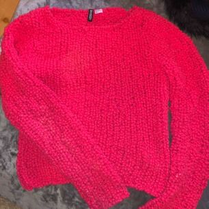 En snygg hallonröd tröja från H&M💓