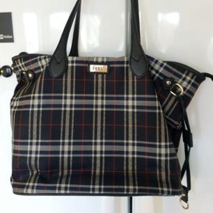 Världens snyggaste väska, med perfekt storlek. Som ny 🌟