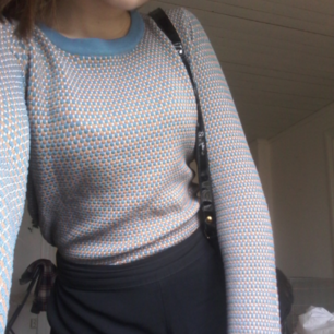 Super fin och populär tröja från Zara.💙 Några som är intresserade så om ni vill ha den får ni buda😊