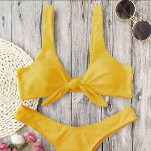Jätte fin gul bikini, storlek sitter som S!