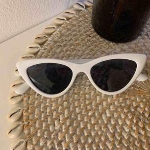 Helt nya cateye solglasögon från H&M. Frakt tillkommer på 11kr