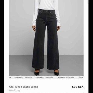 Säljer mina weekday jeans i modellen Ace. Endast använda få gånger så de är i nyskick, därav priset!