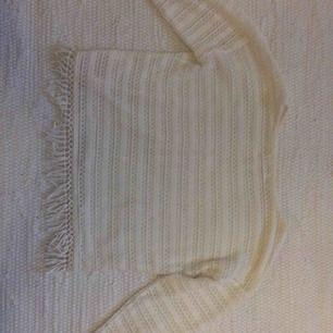 Vit tröja från H&M. Frakt ingår