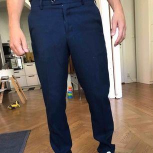 Laurents pants fold up. Lite noppriga baktill, iövrigt bra skick.