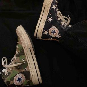 Special edition Converse x Braindead Chuck Taylor Köpta på Sneakers and stuff i Sthlm  Använda 2-3 gånger så typ nya.  Priset är förhandlingsbart, men gick efter vad dom ligger på på StockX