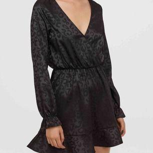 Sjukt snygg klänning helt ny! Endast testad! ❤️ skriv för info eller bild på
