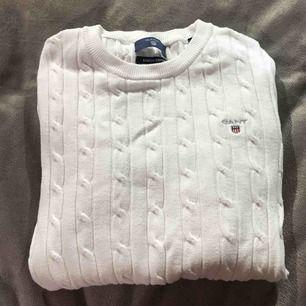En fin, vit & ribbad tröja från Gant, väldigt fin & samtidigt bekväm!
