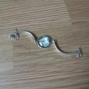 Armband i metall