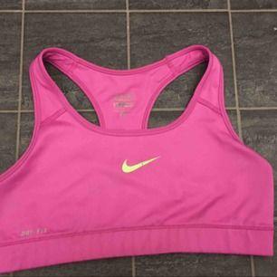 Sport-bh från Nike.