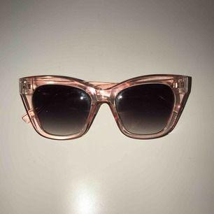 Rosa solglasögon från asos! Köpare står för frakt, 22 kr💘