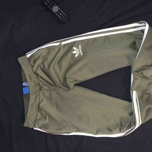 Använt sparsamt, finns tröja till. Paketpris 700kr inkl frakt