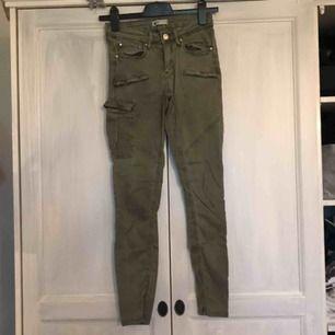 Vid snabb affär är frakten inkl annars 40kr, säljer pga legat i garderoben länge.