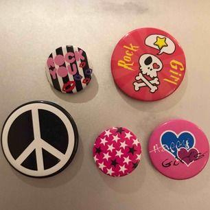 🎱 Coola pins, köp 1 för 5kr eller alla för 20kr (frakt kostar 10kr) 🎱