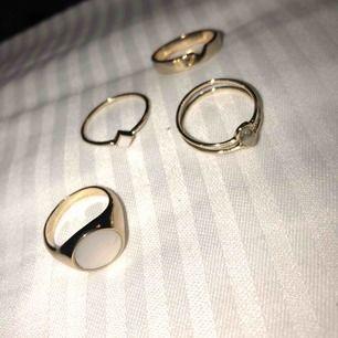 Skit snygga ringar från other stories som är nya och helt oanvända pga dem nt är min storlek. ringarna är rostfria o en ring kostar vid nypris 150-190kr o tillsammans kostade dem ca 650kr men säljer dem för 200kr vid snabb affär!