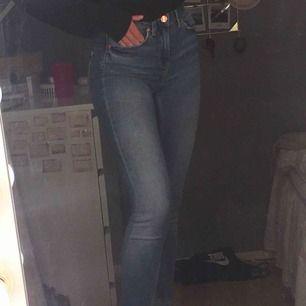 säljer mina blåa jeans ifrån Gina pga att ja tröttna på dem och att dem ej kommer till användning, som nya! skriv för fler bilder <3