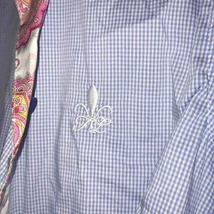 Skjorta. Ord 999