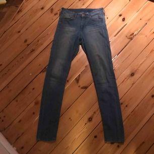 Jeans från H&M, säljer pga för små