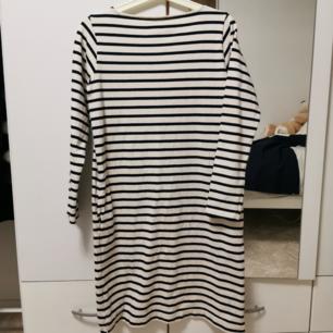 Muji klänningar med fickor! sitter otroligt fint och dom är väldigt sköna och i bra kvalite! 170 st