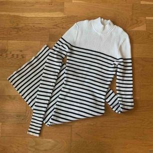 Poloklänning från Bikbok. Använd en gång, så helt som ny! Frakt tillkommer på 59kr