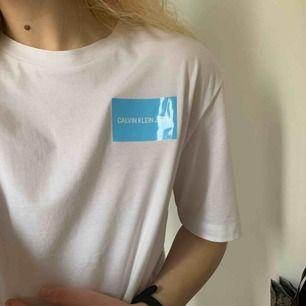 i princip ny ck t-shirt!! nypris är 600 kr men är inte min stil ://