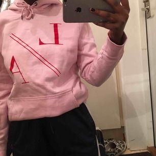 En rosa hoodie från river island💘 knappt använd!