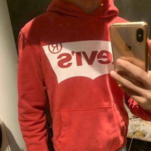 Levis hoodie, bra skick 150 inkl frakt!!!