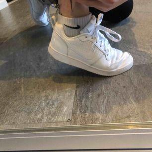 Intressekoll på ett var oanvända skitsnygga skor