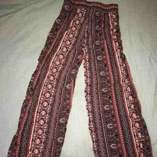 Sköna byxor från BikBok
