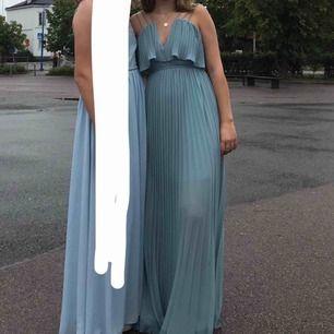 Klänning som är använd en gång. Frakt ingår. Orginalpris 800kr🥰