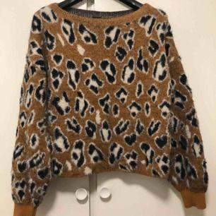 Super fin leo tröja som jag har inte använd så mycket av
