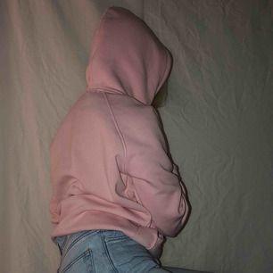 Skön hoodie från bikbok Kan posta för fraktkostnad