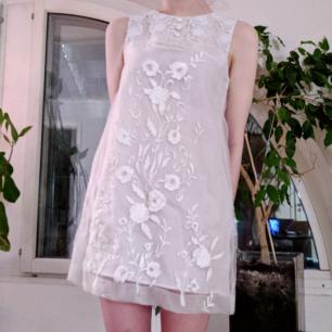 Superfin vit klänning från H&M 🌼
