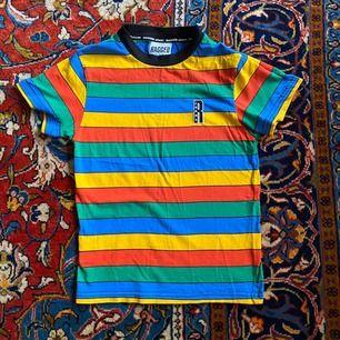T-shirt från märket The ragged priest, möts upp i Göteborg eller skickar mot att köparen betalar frakt!