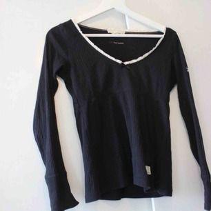 Supersnygg tröja från Odd Molly, köpt för 600:- 💕 Använd en del men inga hål eller fläckar. Frakt:42:-