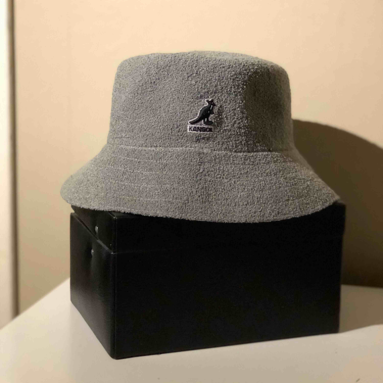 Kangol hatt. Accessoarer.