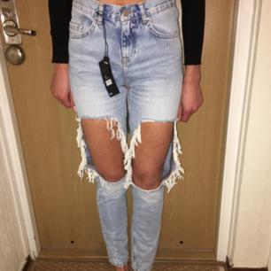 Nya jeans från BIKBOK i str XS.