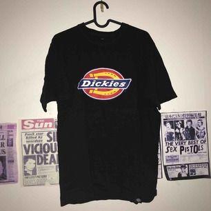 dickies t shirt size m