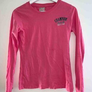 Rosa tröja från champion, har knappt använts